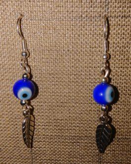 Boucles d'oreilles plume argentée oeil rond bleu