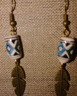 Boucles d'oreilles plume perle péruvienne