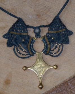 collier macramé bleu croix berbère