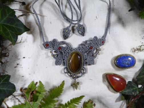 collier macramé gris œil-de-tigre