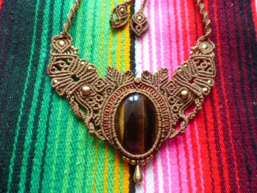 collier macramé marron oeil-de-tigre