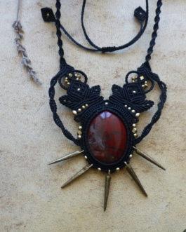 Collier macramé noir jaspe rouge Morwën