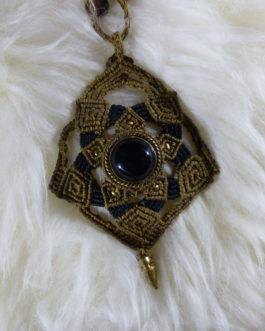 pendentif macramé marron onyx