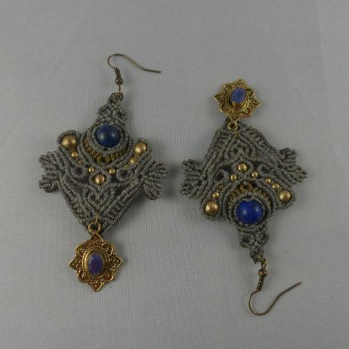 Boucles macramé vert gris lapis-lazuli