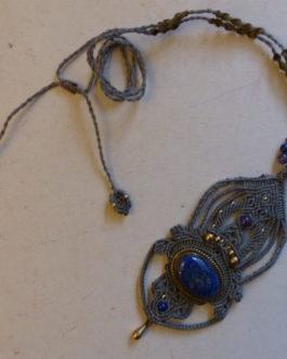 Pendentif macramé vert gris lapis-lazuli Dichali