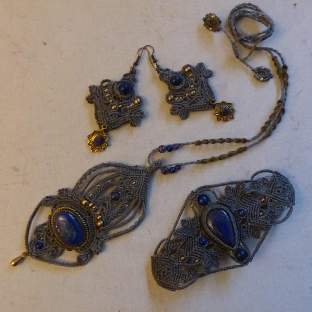 parure macramé lapis-lazuli vert gris