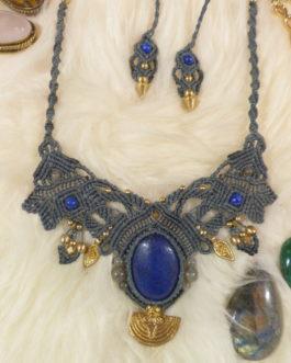 Collier macramé gris bleu lapis-lazuli Oromë