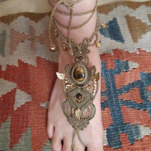 Bracelet de pied macramé oeil-de-tigre marron vert