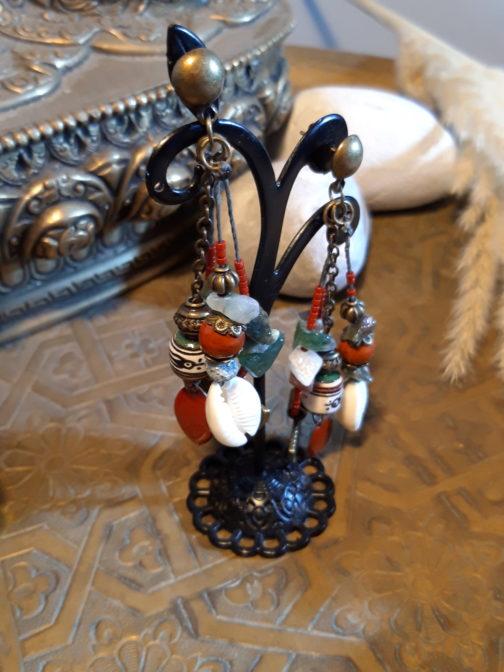 Boucles pendantes agate indienne cauris jaspe rouge